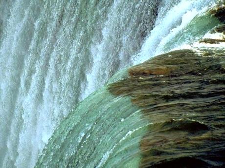 waterfallenh