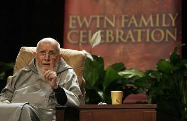 father_groeschel_ewtn_oct__2008_-370x241