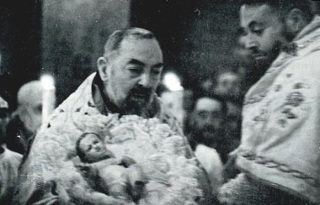 Padre_Pio_a_Natale